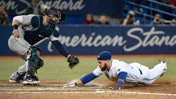 Blue Jays explode for first road win over Mets
