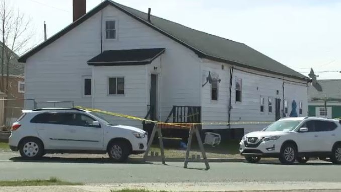 Cape Breton Regional Police are investigating a fatal fire at this apartment complex in Sydney. (Kyle Moore/CTV Atlantic)