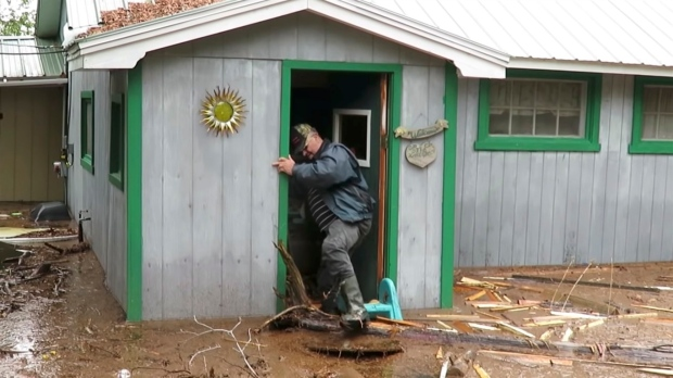 Hilarious video finds the laughter amid new brunswick flood disaster darlene mcnee films her husband robert solutioingenieria Gallery