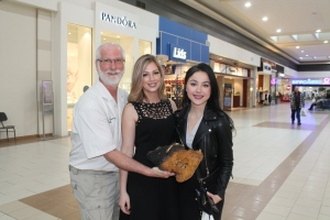 Muddy Mark, Jessica and Rebecca with chaga piece