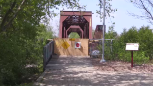 Brant's Crossing pedestrian bridge