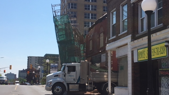A truck nearly toppled a scaffold on Queen St. (Terry Kelly / CTV Kitchener)