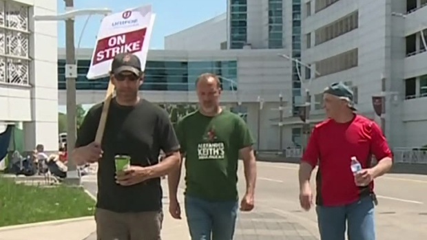 Caesars employees will vote on a tentative agreement Monday morning