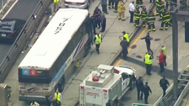 Buses collide inside Lincoln Tunnel (ABC)