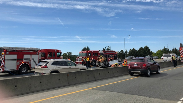"A two-vehicle crash shut down northbound lanes of the Pat Bay Highway at McKenzie Avenue. May 25, 2018. (<a href=""http://victoriabuzz.com/2018/05/patricia-bay-highway-traffic-redirected-after-vehicle-rollover/"">Courtesy Victoria Buzz</a>)"
