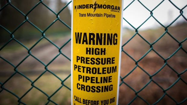 Canada to buy Kinder Morgan pipeline project assets