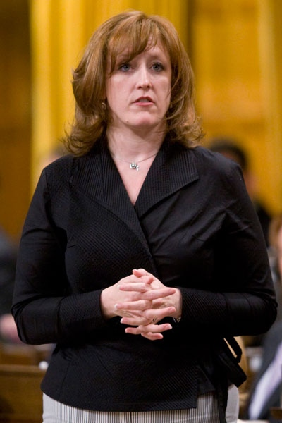 Minister of Natural Resources Lisa Raitt responds to a question during Question Period in the House of Commons on Parliament Hill in Ottawa Monday June 8, 2009. (Adrian Wyld / THE CANADIAN PRESS)