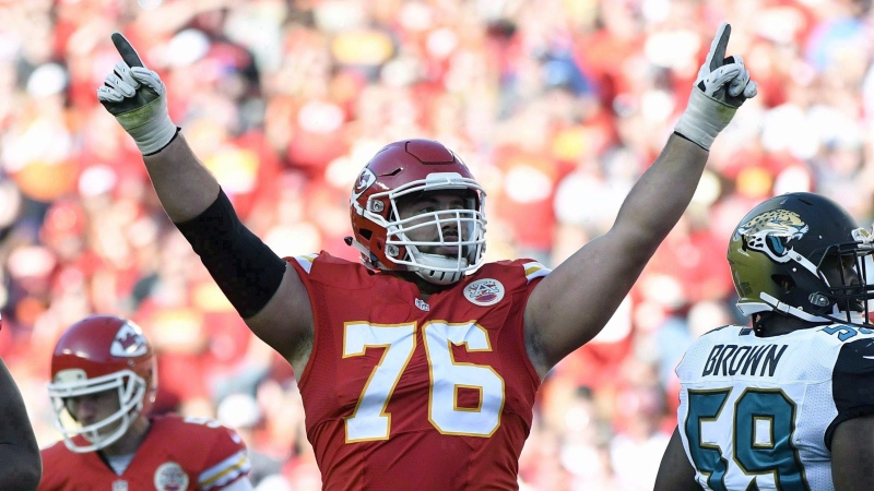 Kansas City Chiefs offensive lineman Laurent Duvernay-Tardif (76) celebrates after a field goal by kicker Cairo Santos (5), during the second half of an NFL football game against the Jacksonville Jaguars in Kansas City, Mo. on Nov. 6, 2016. THE CANADIAN PRESS/AP, Ed Zurga