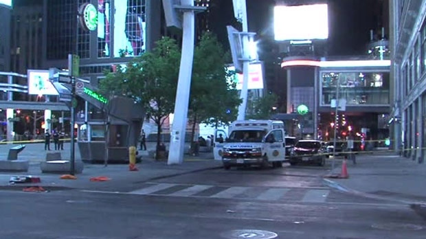 Yonge-Dundas Square, man, dead, shooting,