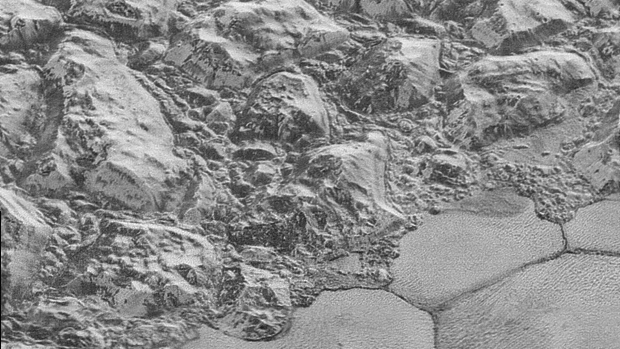 Pluto's dunes made of frozen methane