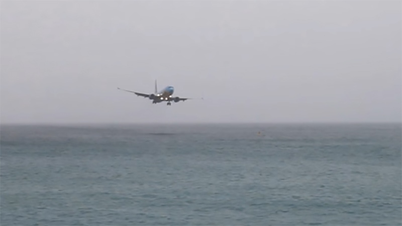 WestJet's missed approach in St. Maarten was caught on video. (Photo: YouTube/ATCPilot.com)