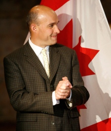 Jim Balsillie, co-CEO of RIM , speaks to the media after the announcement of funding for the creation of the Balsillie Centre of Excellence in Global Policy, in Waterloo, Ont. on Monday, May 25, 2009. (Dave Chidley / THE CANADIAN PRESS)
