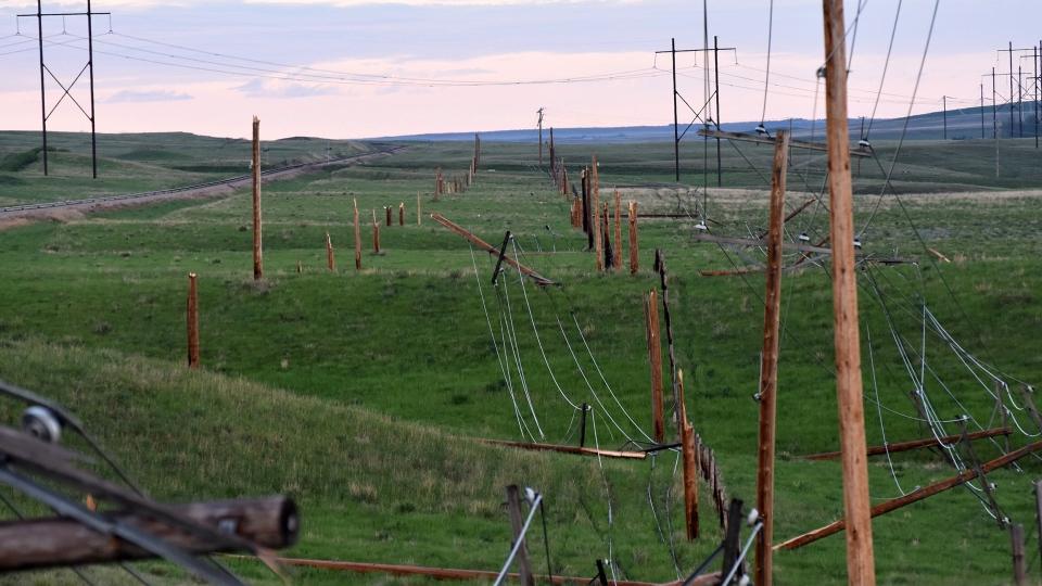 Downed power lines near Coronach, Sask. on June 4, 2018. (CREDIT: BILLY GOSSEN)