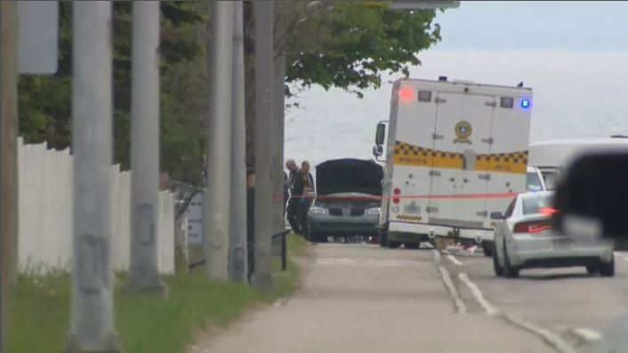 Police are searching a vehicle believed to contain suspicious packages on Richelieu St. in La Malbaie. (CTV Montreal)