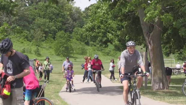 Tour de Grand sees thousands, promotes bike lanes
