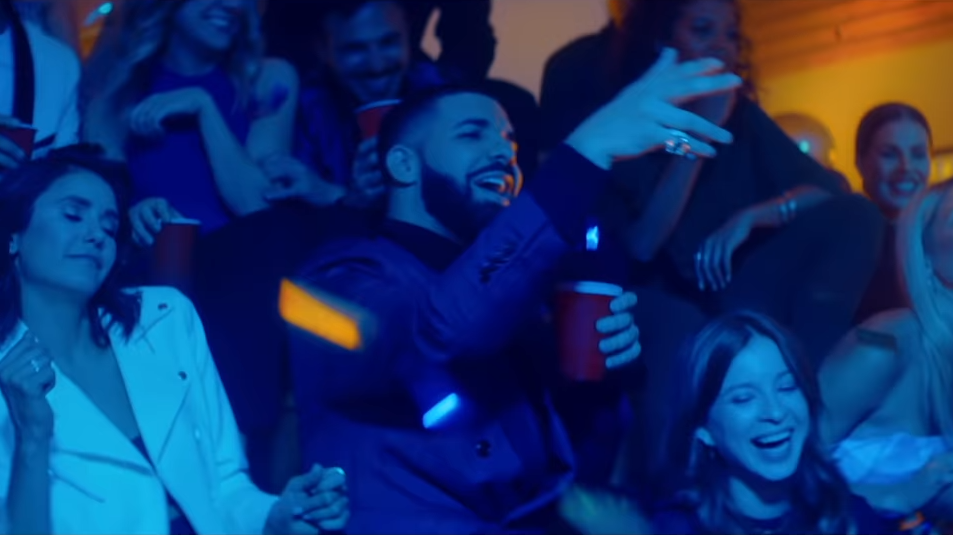 Drake reunited the cast of 'Degrassi: The Next Generation' for his latest music video.