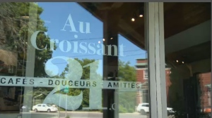 Au Croissant 21, a cafe in Rigaud