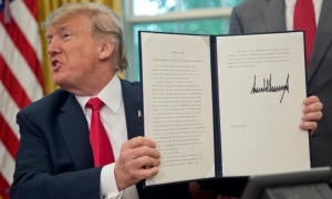 Trump orders an end to family separations at border | CTV News