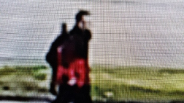 He is described as thin and in his late 20s or early 30s, with short, light-coloured hair, and was seen carrying a black backpack and a guitar. (Source: @WRPSToday)