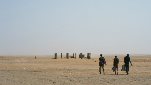 Algeria abandoning migrants in the Sahara