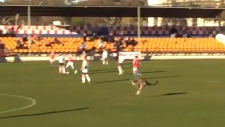 Extended: Kangaroo disrupts soccer match