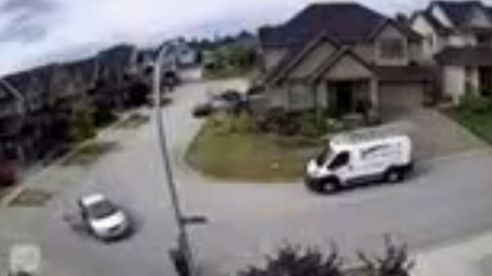 Chilling surveillance video shows the moment leading up to Paul Bennett's murder in Surrey, B.C. (CTV News)