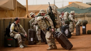 Canadian troops arrive to a UN base in Gao, Mali, on Monday, June 25, 2018. (THE CANADIAN PRESS/Sean Kilpatrick)