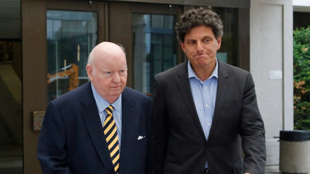 a0b0b9abcb61 Mike Duffy lawyers raise spectre of past scandal in bid to sue ...