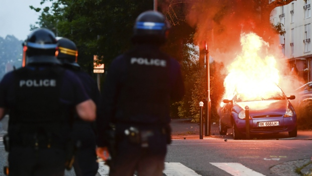 second night of violence in in french city in wake of police shooting ctv news. Black Bedroom Furniture Sets. Home Design Ideas
