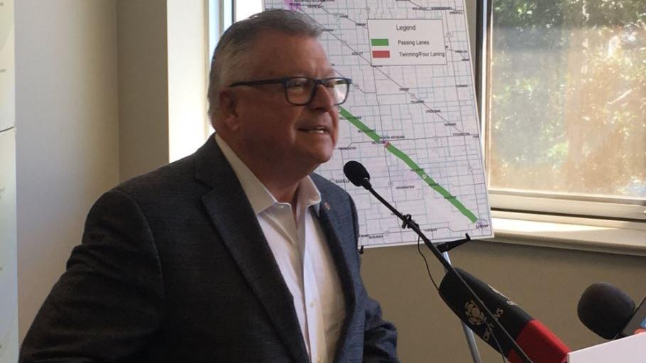 Regina-Wascana MP Ralph Goodale announces an investment in Sask. highways (Wayne Mantyka / CTV Regina)