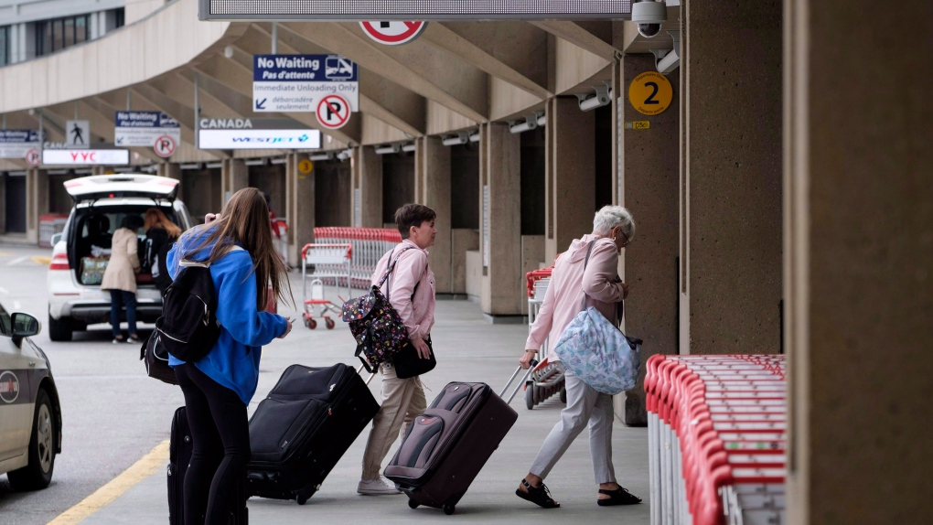 4 airlines fined for breaking Canada's passenger protection rules