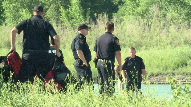 Dive crews with the Lethbridge Fire Department are searching for a missing teen who is presumed drowned in the Old Man River.