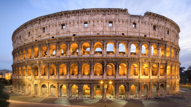 Rome's Colosseum Recreates Gladiator Games With Lights