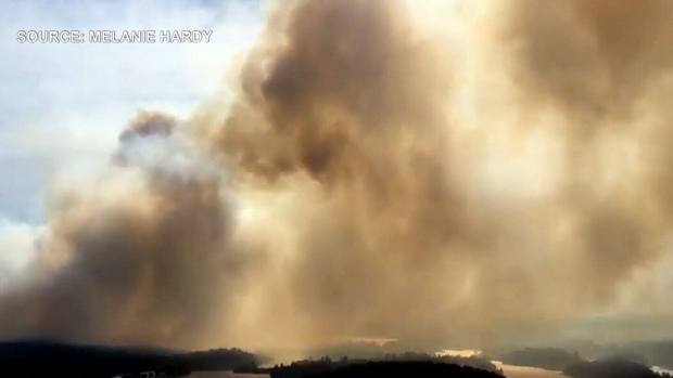 Temagami, Ont. wildfire putting homes at risk