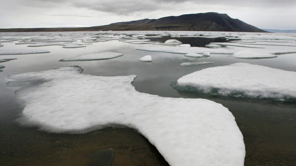 Ice floats in Slidre Fjord