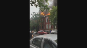 A fire broke out on Saint-Viateur and Jeanne-Mance in Mile End.