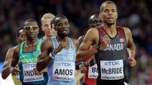 Canada's Brandon McBride leads the Men's 800m final during the World Athletics Championships in London Tuesday, Aug. 8, 2017. (THE CANADIAN PRESS/AP, David J. Phillip)
