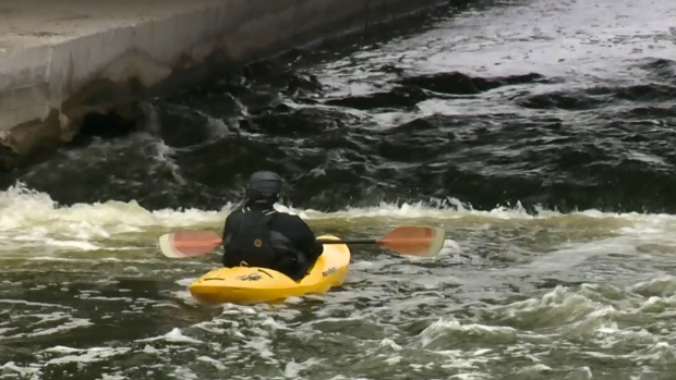 Paddlers take part in Grand River Run