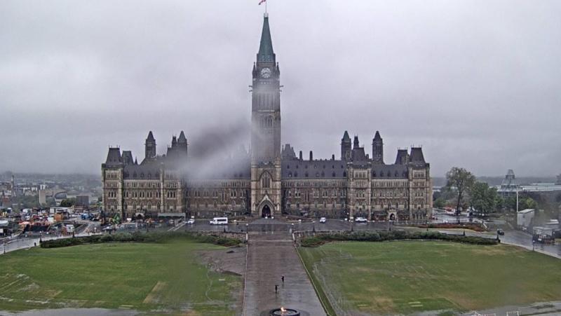 Heavy rain soaks Ottawa