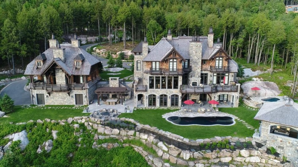 Mario Lemieux's home in Mont-Tremblant is for sale. (Engel & Volkers)