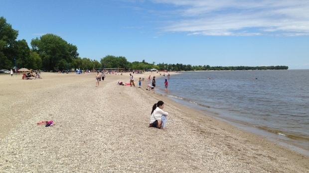 File image of Gimli Beach. (Sarolta Saskiw/CTV Winnipeg)
