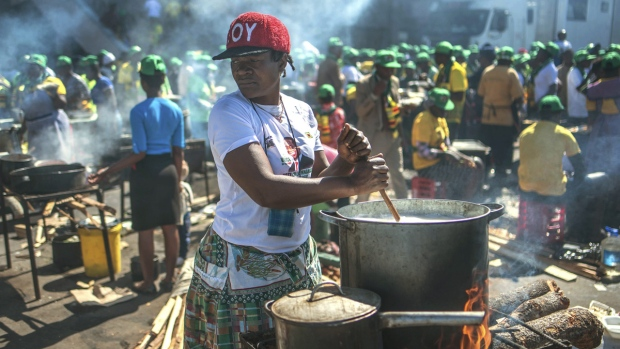 zimbabwe holds final rallies before historic election ctv news