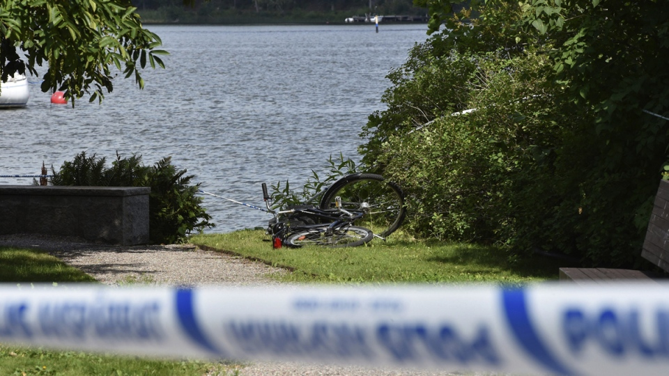 A discarded bicycle near the scene of a robbery at the Strangnas Cathedral, in Strangnas, Sweden, on July 31, 2018. (Pontus Stenberg/TT News Agency via AP)