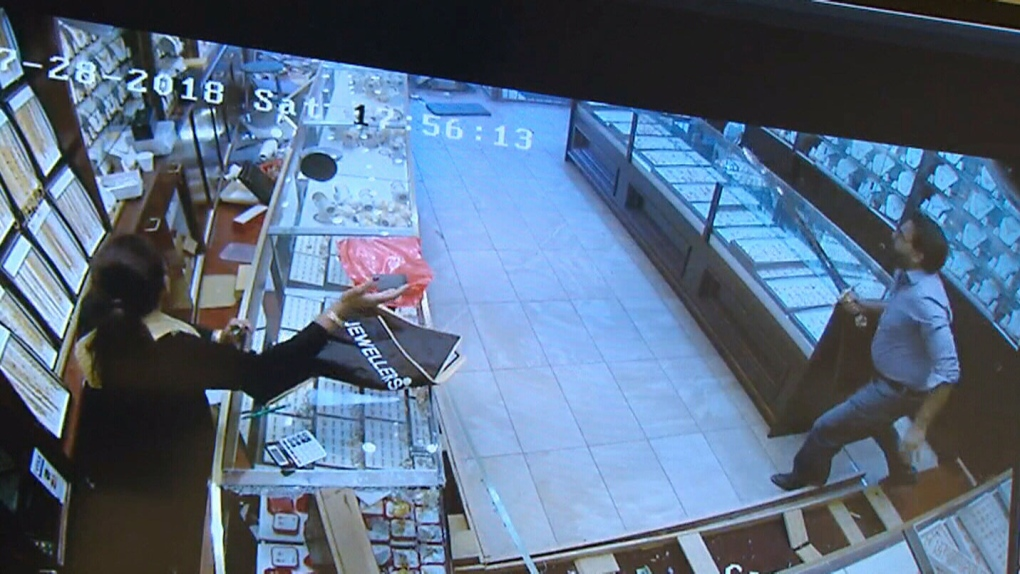 Ont  jewelry store fends of robbers with sword   CTV News