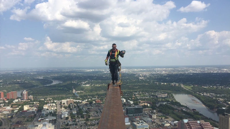 Ironworkers disciplined after posing on beam 69 floors above