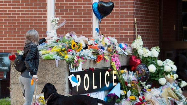 Toronto police to deliver book of condolences to families of