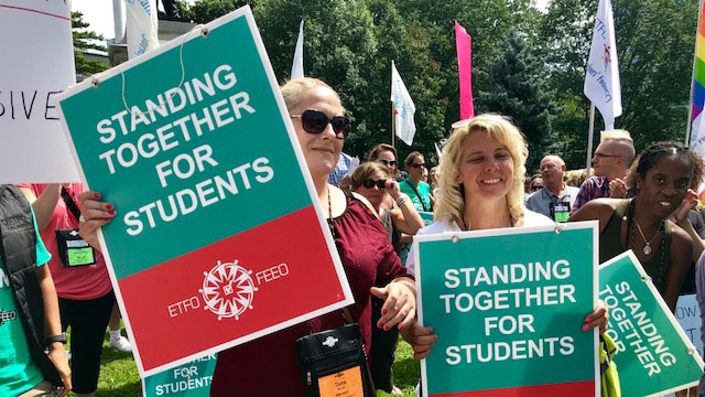 Hundreds of people, including many elementary teachers, protested the Ford government plan to repeal the sex-ed curriculum on Aug. 14, 2018. (Cristina Tenaglia/CP24)