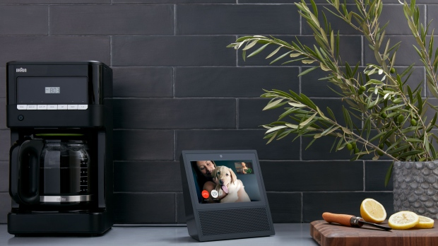 Google to Unveil Echo Show Competitor This Year