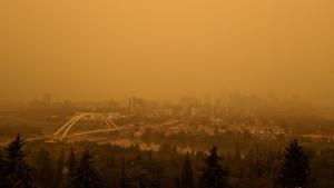 A view of Wednesday's orange morning from Saskatchewan Drive. (Hollas Ouwerkerk)