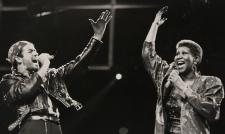 Aretha Franklin dead at 76